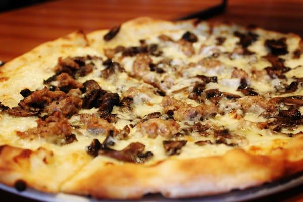 Dom DeMarco's Pizzeria & Bar