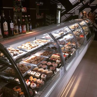 Dolce Bakery & Cafe