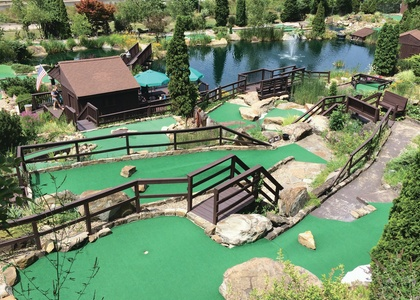 Frontier Falls Miniature Golf