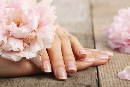 Pamper Nails And Lashes Lounge