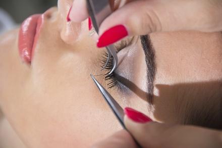 Wild lashes