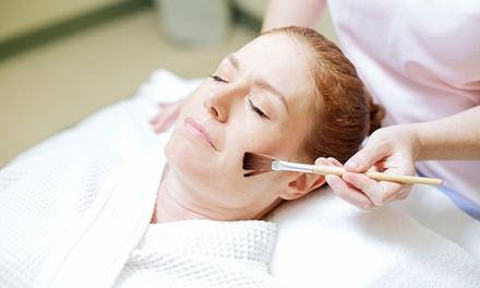 Lindsey an Esthetician at Caroline's Hair Salon and Day Spa